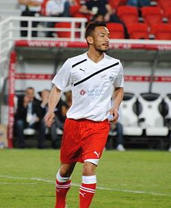 Hidetoshi Nakata November 2011 (cropped).JPG