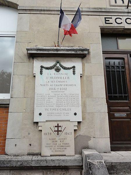 Hudiviller (M-et-M) école, plaques monument aux morts
