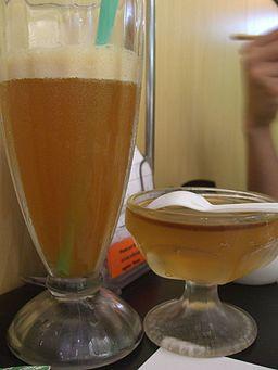 Iced tea and tea jelly