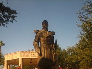 Ignacio Zaragoza statue in Laredo%2C TX IMG 1774