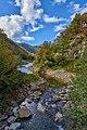 Il torrente prosegue verso il lago - panoramio.jpg