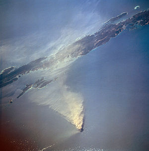 Barren Island (Andaman Islands) - Barren Island erupting in 1995