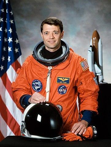 Astronaut Jeffrey S. Ashby, STS-112 mission commander, NASA photo (30 October 1998)Source: Wikipedia (spaceflight.nasa.gov killed 25 Feb 2021) 362px-Jeffrey_S_Ashby.jpg