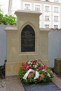 Karel Balling-grave (2270).jpg