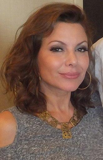 Kari Wuhrer - Wuhrer at the 2014 Chiller Theatre Expo