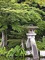 Kenroku-en Kotoji Lantern 4.jpg