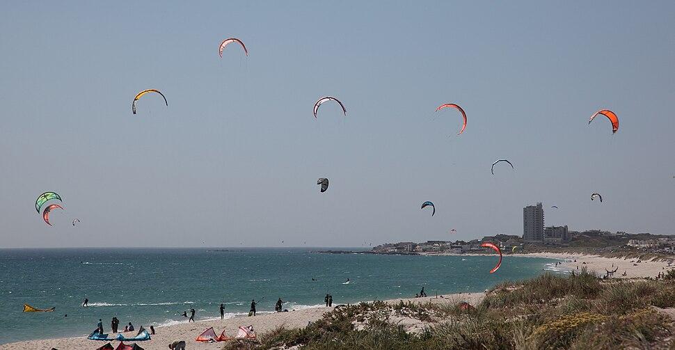 Kitesurfers-001