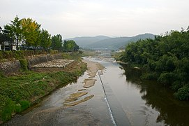 Korea-Gyeongju-Namcheon Stream near Gyeongju National Museum-01.jpg