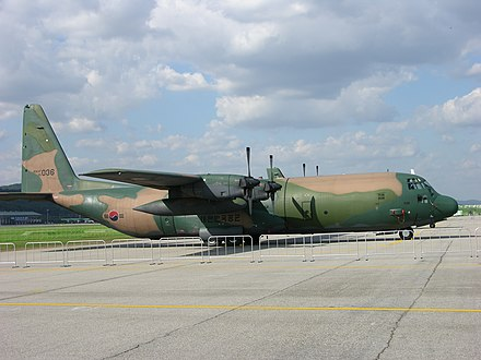 A Lockheed C-130 Hercules transport aircraft Korean AF C-130H (3097678513).jpg