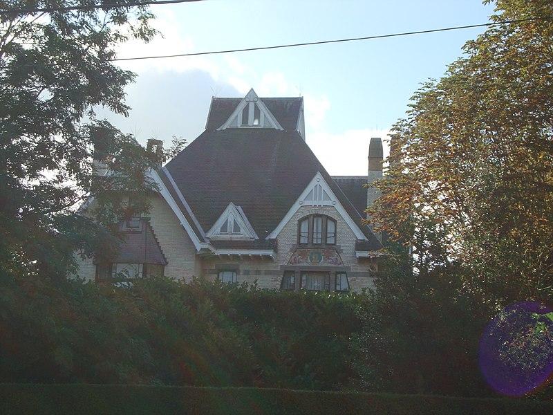 File:Kortenberg-Leuvensesteenweg330-Villa-Lurmann.JPG