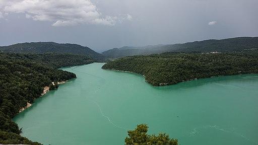 Lac de Vouglans vu de sur Faucon