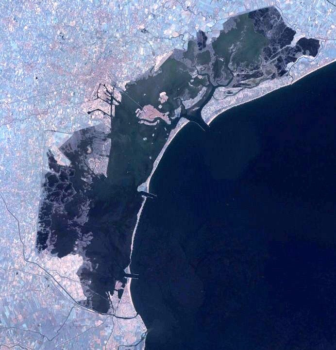 Lagoon-of-venice-landsat-1