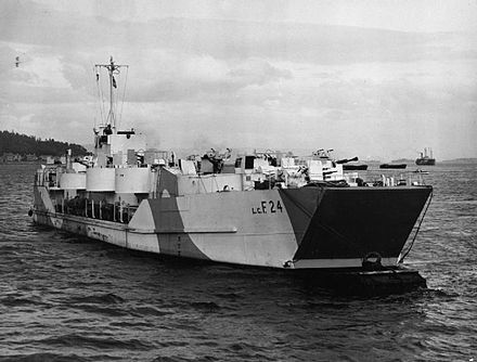 "Landing Craft Flak were equipped with 20 mm Oerlikons and four QF 2 pdr ""pom-poms"" to defend against aircraft. Lcf (4) 24 FL5979.jpg"