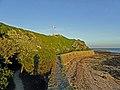 Le long des fortifications de La Hougue à Saint-Vaast - panoramio.jpg