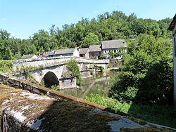 Le village et le Pont de Cirou.JPG