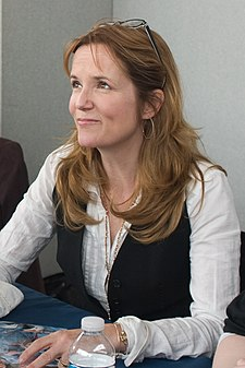 Lea Thompson by Gregg Bond (2008).jpg