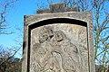 Libčice nad Vltavou, náhrobek s reléfem od Františka Bílka 3.jpg