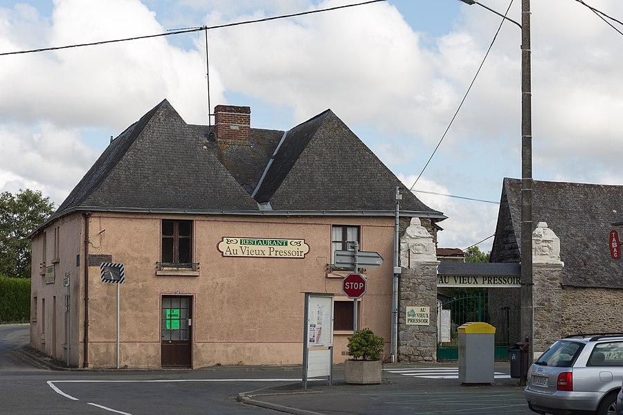 Ancien restaurant «Au Vieux Pressoir» à Louvigné.
