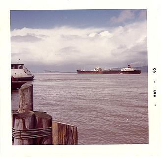 SS Manhattan (1962) - SS Manhattan passing Astoria, Oregon, 1965.