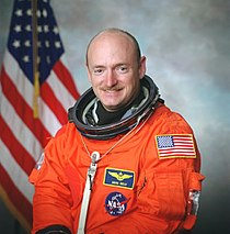 Mark E. Kelly 2001.jpg