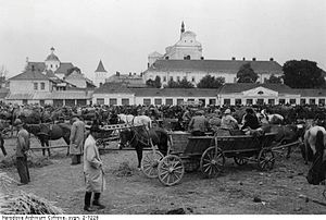 Sambor Ghetto - Marketplace in the Sambor's Jewish neighbourhood of Blich, photographed in July 1942.