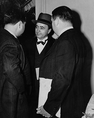 Matthew Woll - Matthew Woll (center).