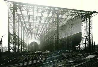 RMS Mauretania (1906) - RMS Mauretania on its Tyneside builder's ways prior to launch in 1906
