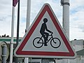 Mercure Beaune Centre - cycling sign (35077347222).jpg
