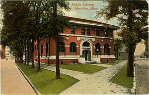 Meridian Museum of Art - Postcard of the museum when it was one of Meridian's Carnegie public libraries