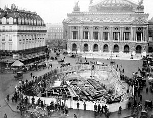 Opéra (Paris Métro) - Construction under scaffolding in the Place de l'Opéra. The roof of line 3 leading to the Rue Auber is visible.