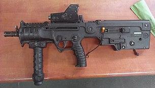 """وحدة النخبة البحرية في الجيش الإسرائيلي: """"السرية 13"""" ........Shayetet 13 305px-MicroTavorX95MARS"""