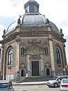middelburg, oostkerk met auto