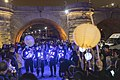Miles de farolillos han iluminado el Puente de Toledo en la fiesta de bienvenida al invierno 02.jpg