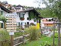 Mittenwald, Schilderwald vor Baudenkmälern.jpg