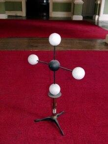 Ball-and-stick model - Wikipedia