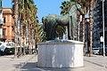 Monumento equestre in corso Vittorio Emanuele da lontano.jpg