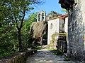 Mosteiro de San Pedro de Rocas - panoramio.jpg