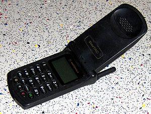 MotorolaStarTAC.jpg