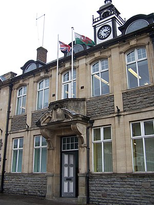 Mountain Ash, Rhondda Cynon Taf - Image: Mountain Ash Town Hall
