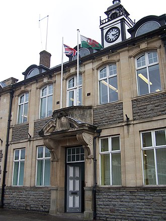 Mountain Ash, Rhondda Cynon Taf - Image: Mountain Ash Town Hall