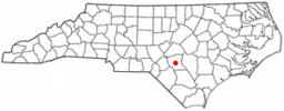 Fayettevilles beliggenhed i North Carolina.