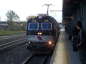 ABB ALP-44 - Image: NJ Transit EWR