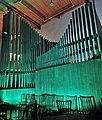 Neusäß, St. Ägidius (Hindelang-Orgel bei Nacht, türkis) (1).jpg