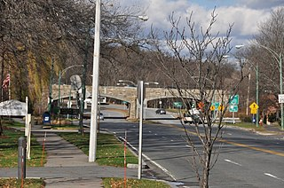 Hammond Pond Parkway