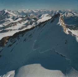Nordend, pohled z Dufourspitze