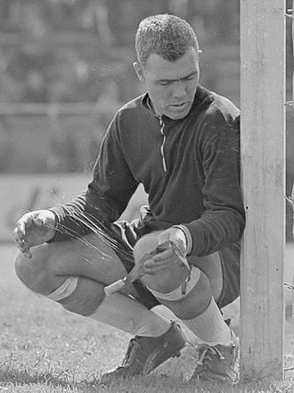 IFK Norrköping - 1963: Bengt Nyholm, the keeper of IFK Norrköping, tries to improve his effectiveness by applying glue from flypaper to his hands