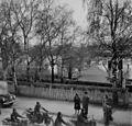 Norsk motorsykkelavdeling toger gjennom Elvegata (1945) (22446761554).jpg