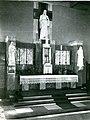 Ołtarz główny w kościele Najświętszego Serca Pana Jezusa w Krakowie – Płaszowie.jpg