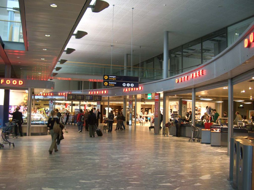 File Osldutyfree Jpg Wikimedia Commons