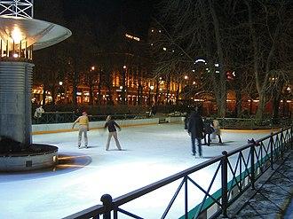 Eidsvolls plass - Ice skating at Eidsvolls plass
